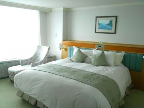 ルスツホテル3階キングサイズベッド
