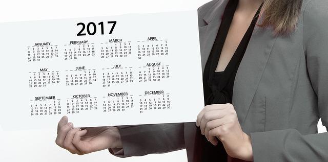 【マツコの知らない世界 2017年カレンダー14選】月の満ち欠けやホワイトボード・MoMAなど!
