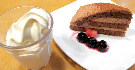 焼肉きんぐ ケーキ&ソフトクリーム