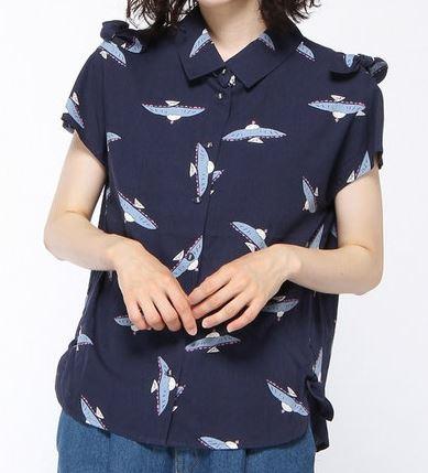 サーヤのネイビーのシャツ