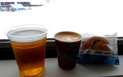 ドットベースカフェ ビール コーヒー