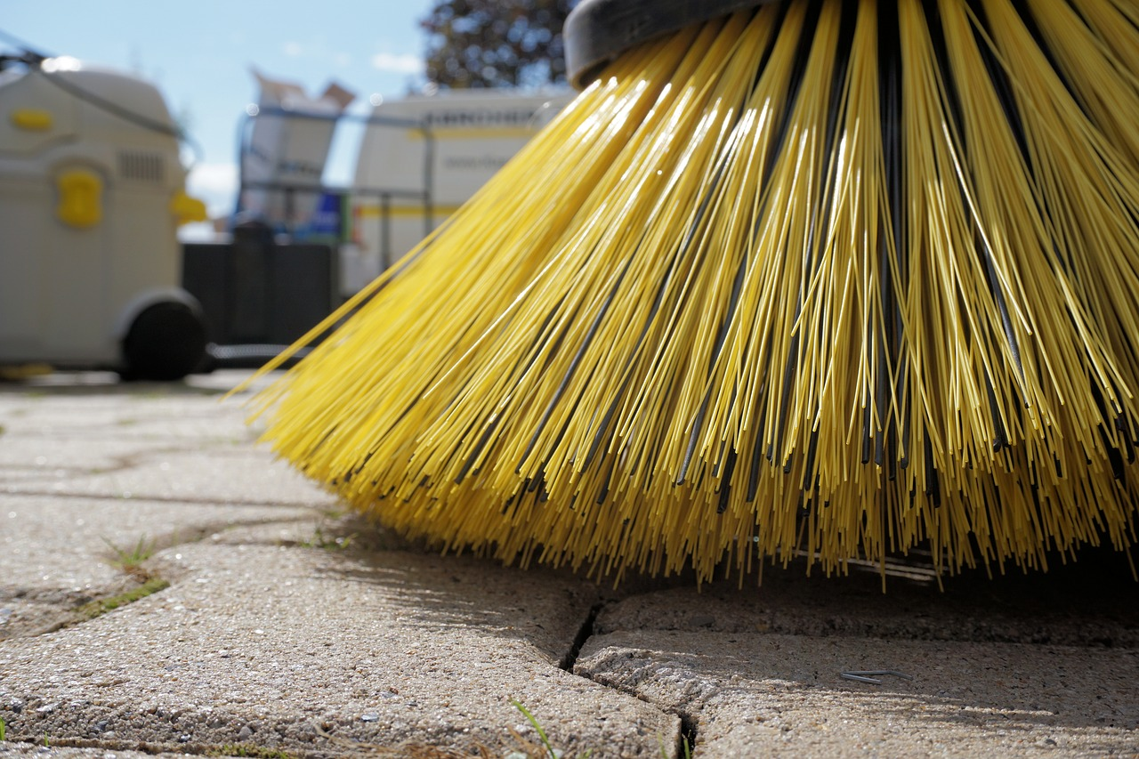【ヒルナンデス 大掃除グッズSP】コンロの油汚れ・鏡の水垢・カーペットのゴミをお掃除!