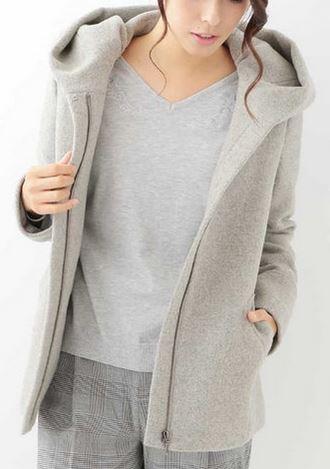 深田恭子 グレーのコート