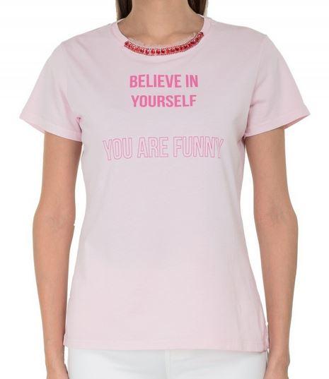 長澤まさみ ピンクのTシャツ