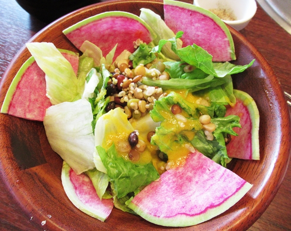 牛角ビュッフェ 焼肉 サラダ