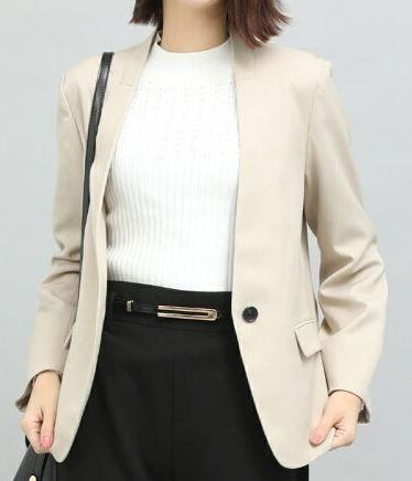 スーツ 新木優子 ノーカラージャケット 洋服 ファッション