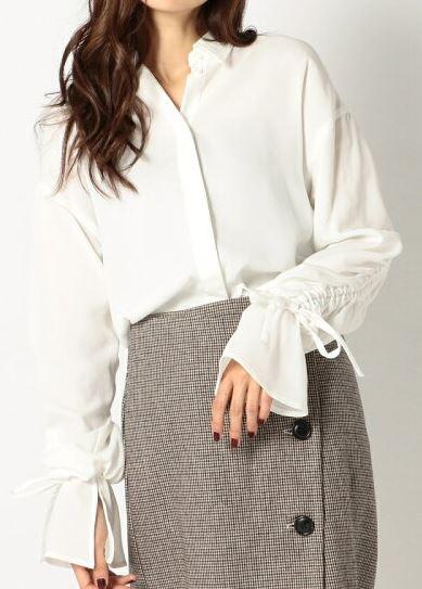 スーツ 新木優子 レースアップのブラウス 衣装 鈴木保奈美 ファッション