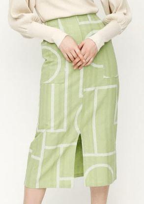 今田美桜さんのスカート 洋服 衣装